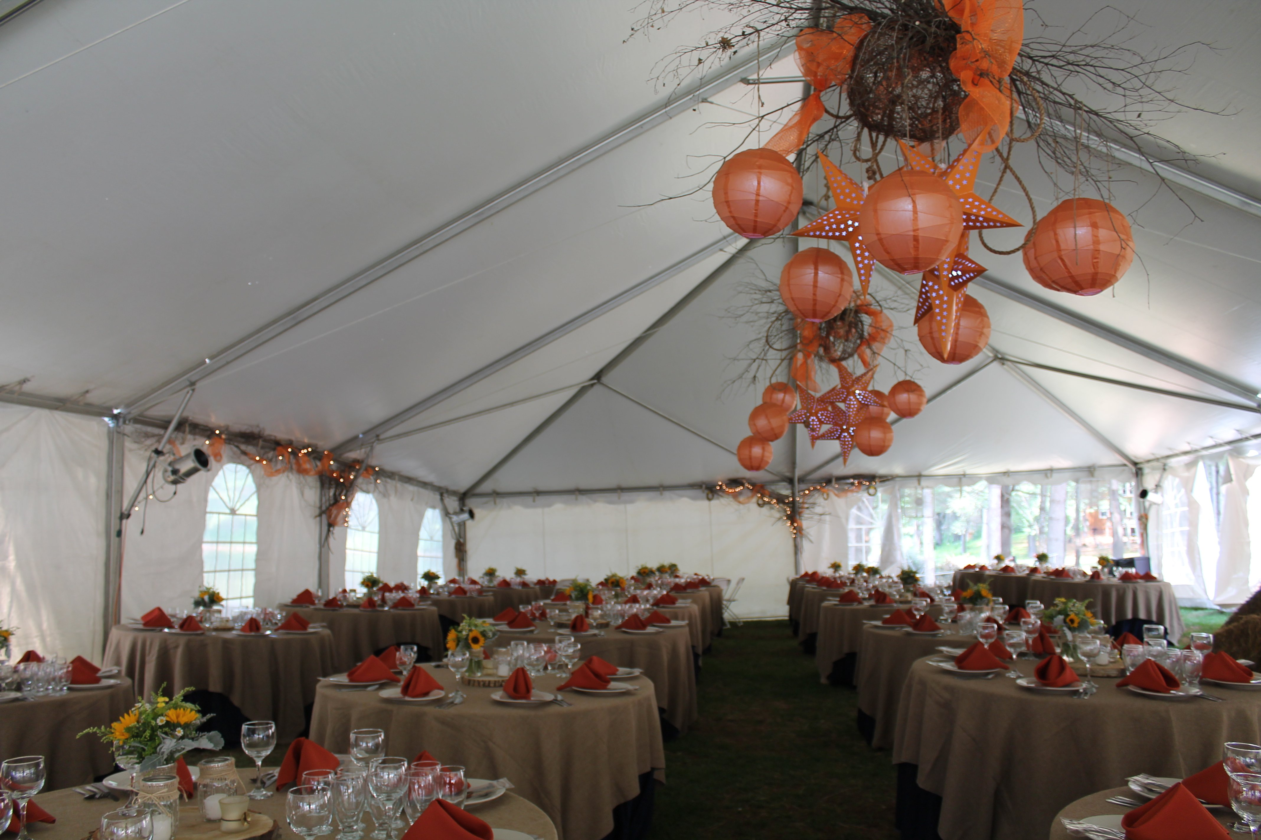 Design and decor rentals onsite from our talented staff.