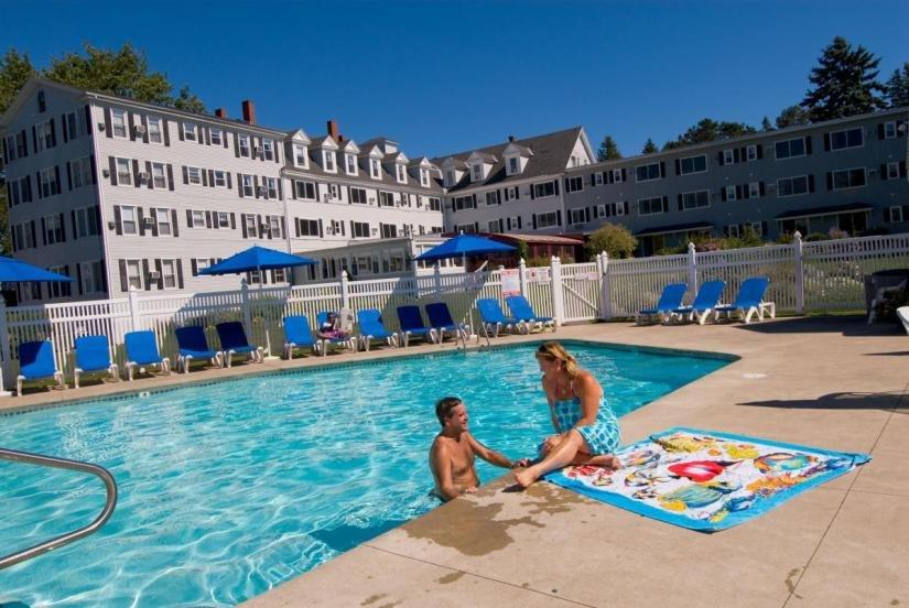 Nonantum Resort outdoor heated pool