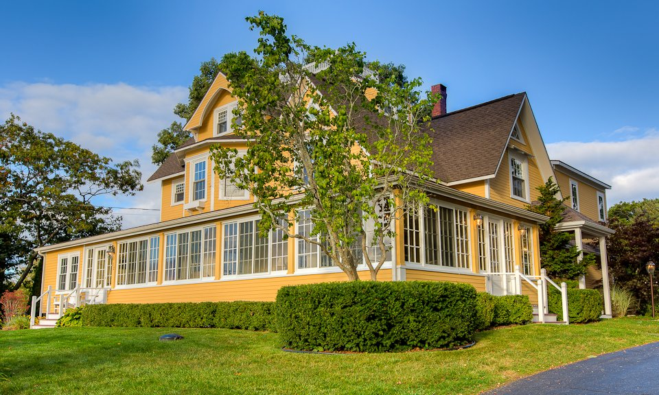 Luxury 5-Bedroom House Rental with Off-Season Specials http://www.luxurykennebunkporthouserental.com/