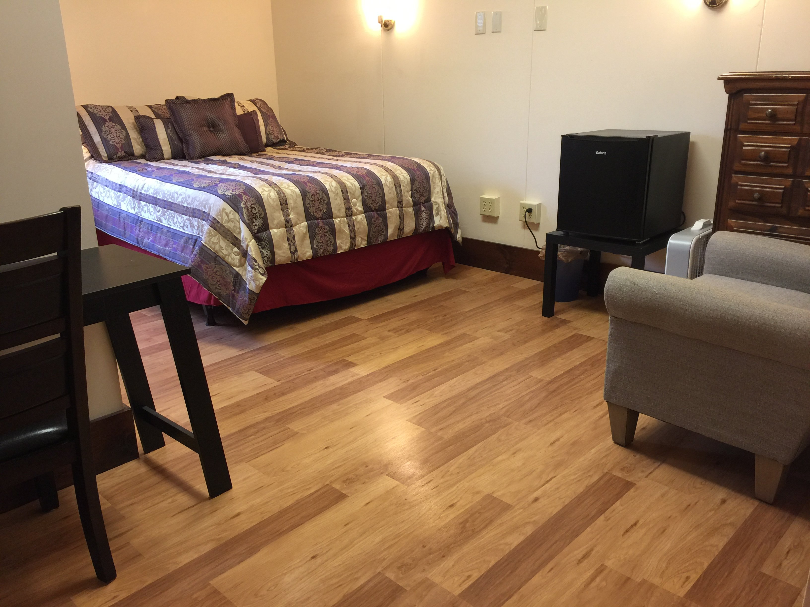"""Our """"Queen Room - Room 206"""", slightly smaller than our """"Spacious Queen"""" rooms, recently renovated (June 2017)."""