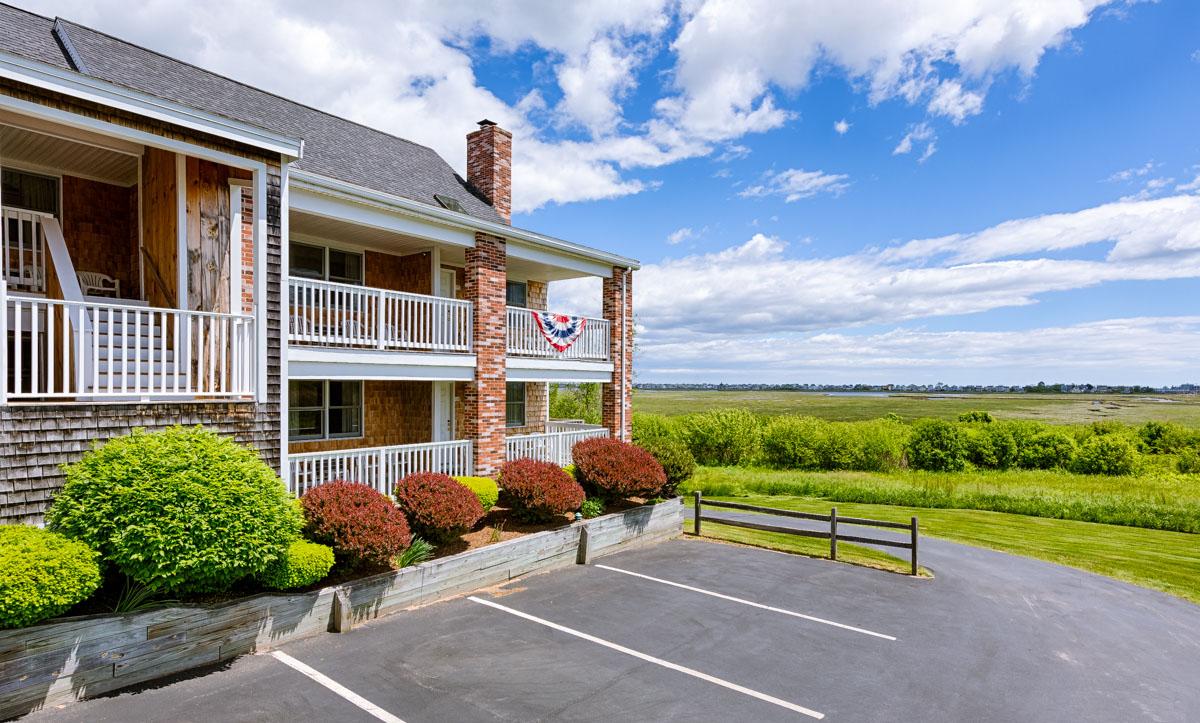 Misty Harbor Resort Motel