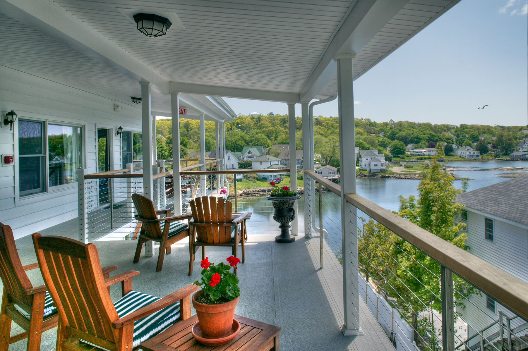2000 sq' of covered decks for harbor views