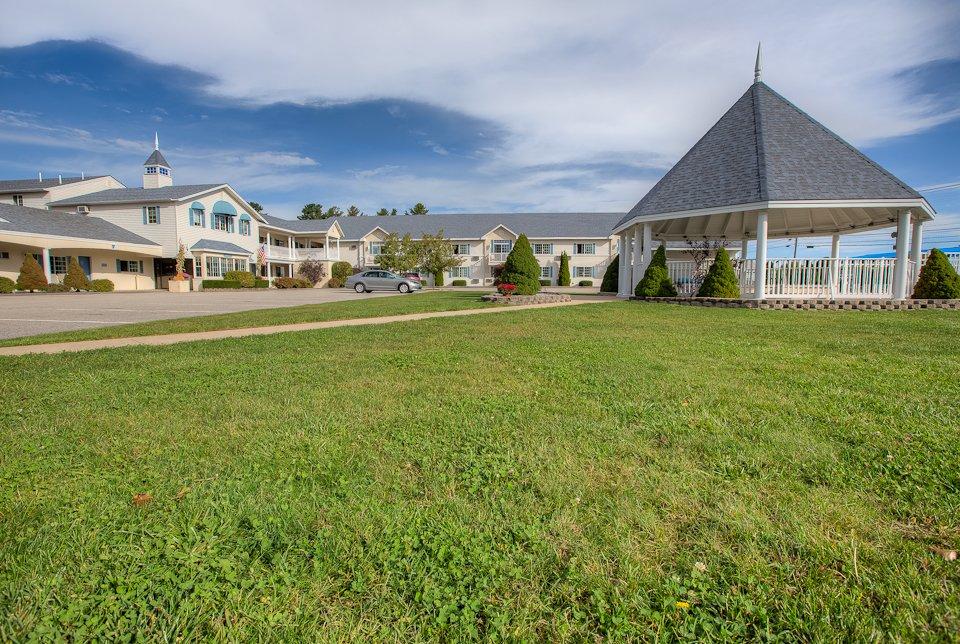 Ogunquit Resort Motel Grounds