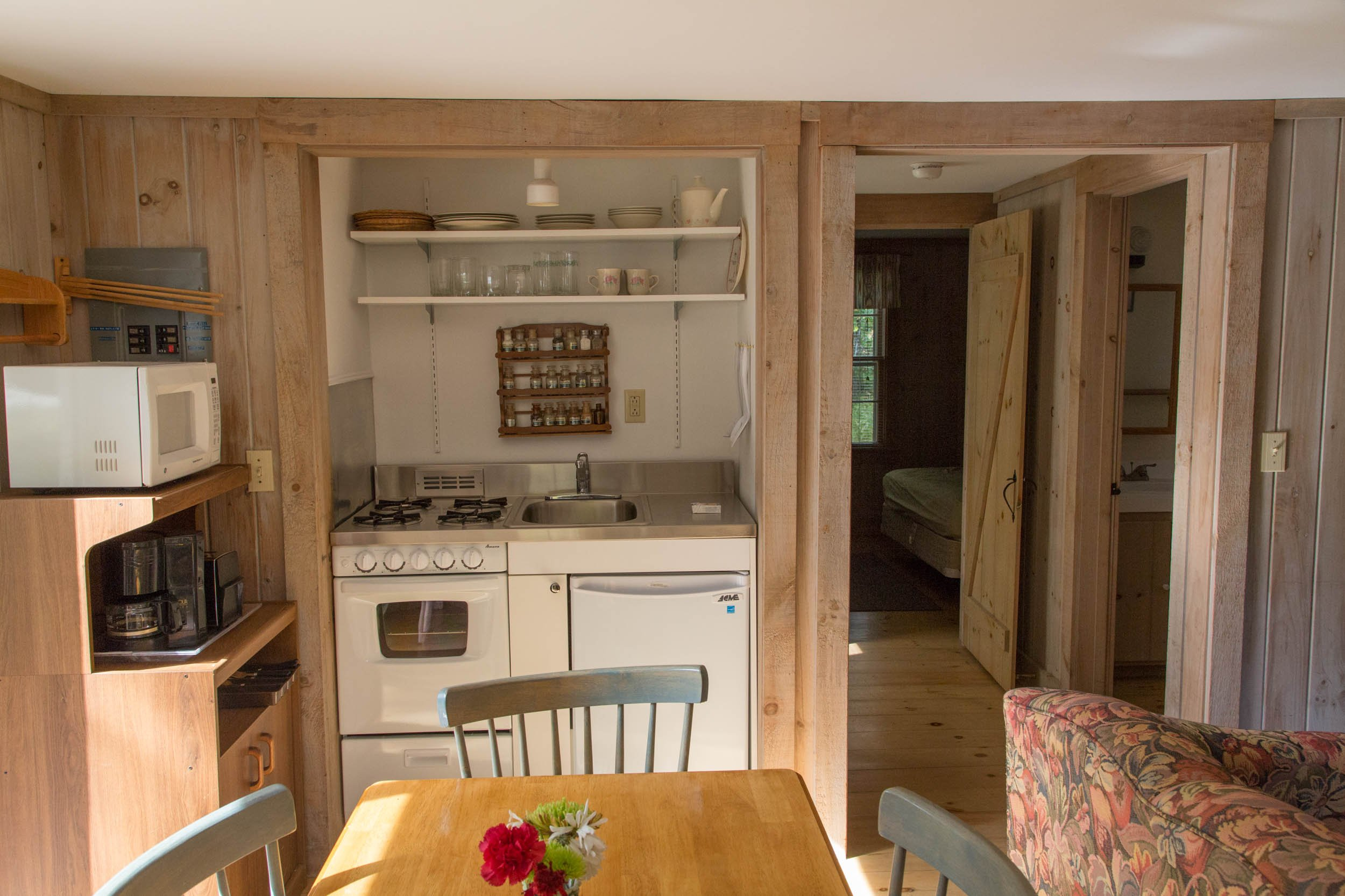The cottage comes with a fully equipped kitchenette.