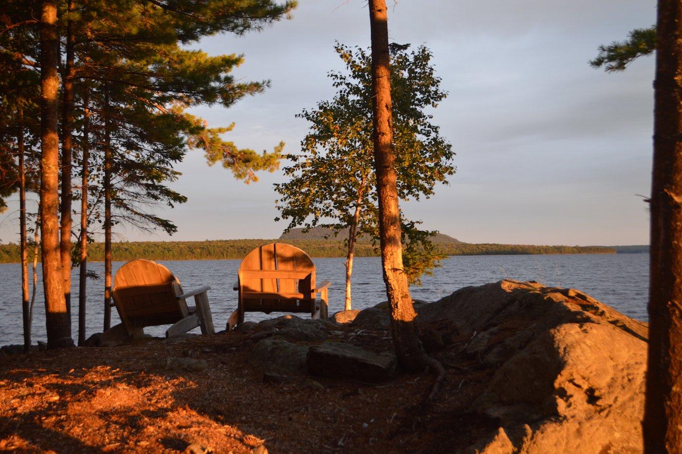 Lakeside retreat, Tomhegan Cabins