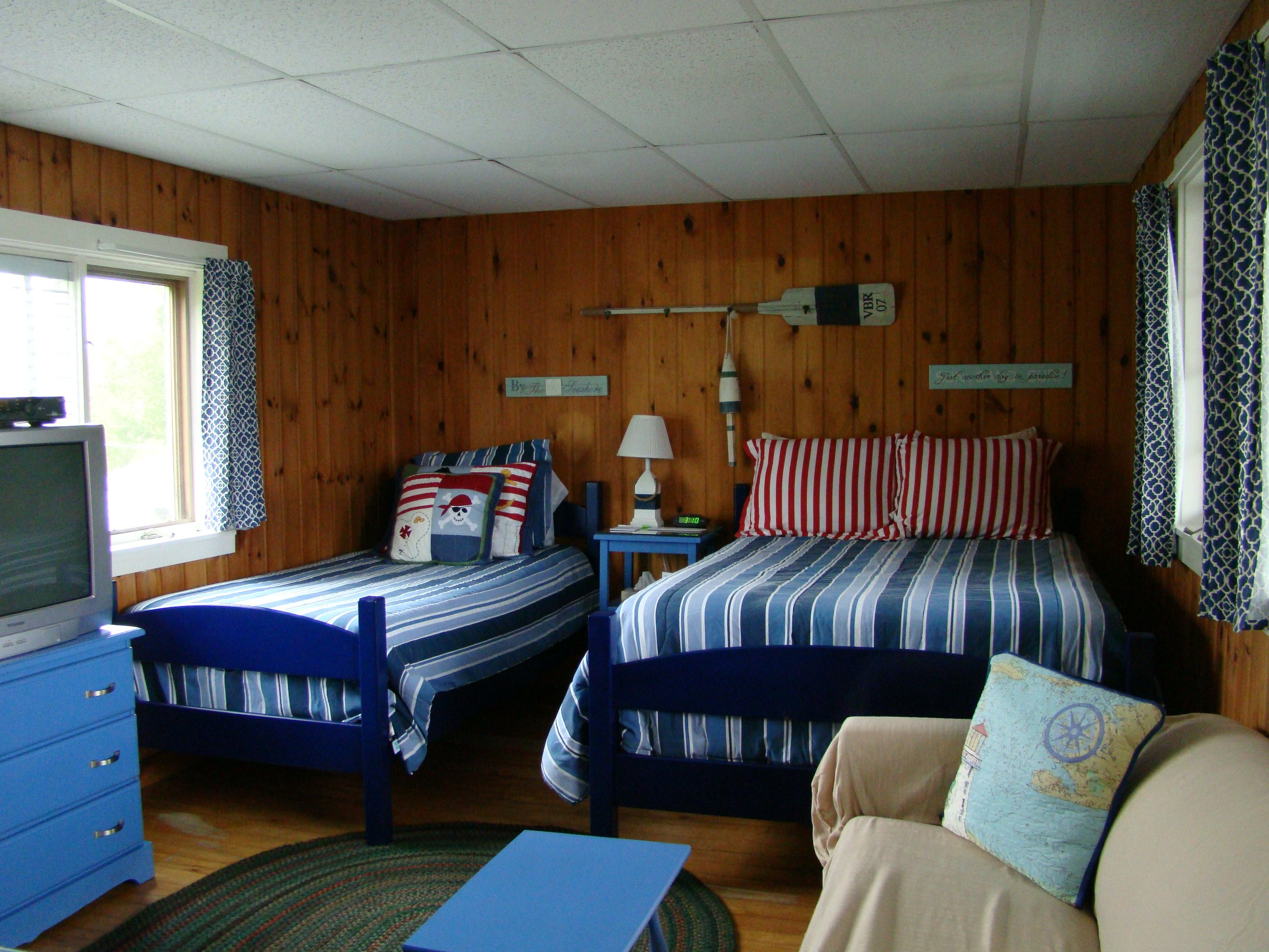 Motel room #18 and 19 - full bed, twin bed, full sleeper sofa, TV, refrigerator, microwave, coffeemaker