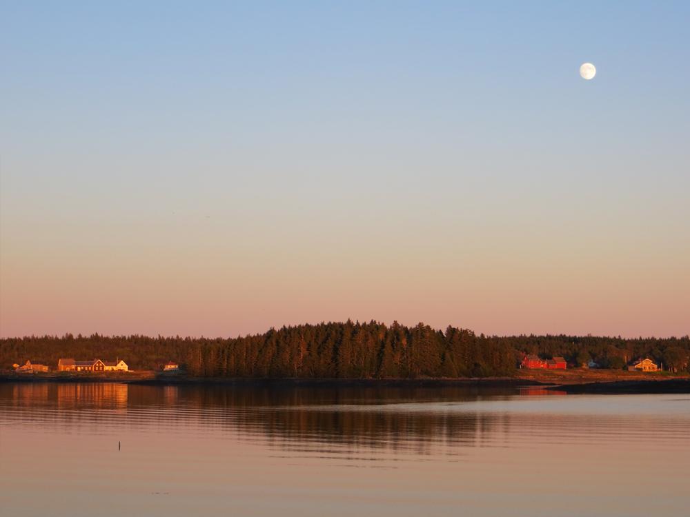 Moonrise, South Adison