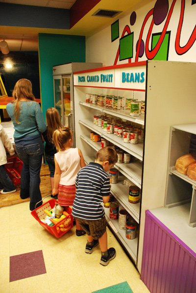 A play supermarket in the Children's Museum of Maine.