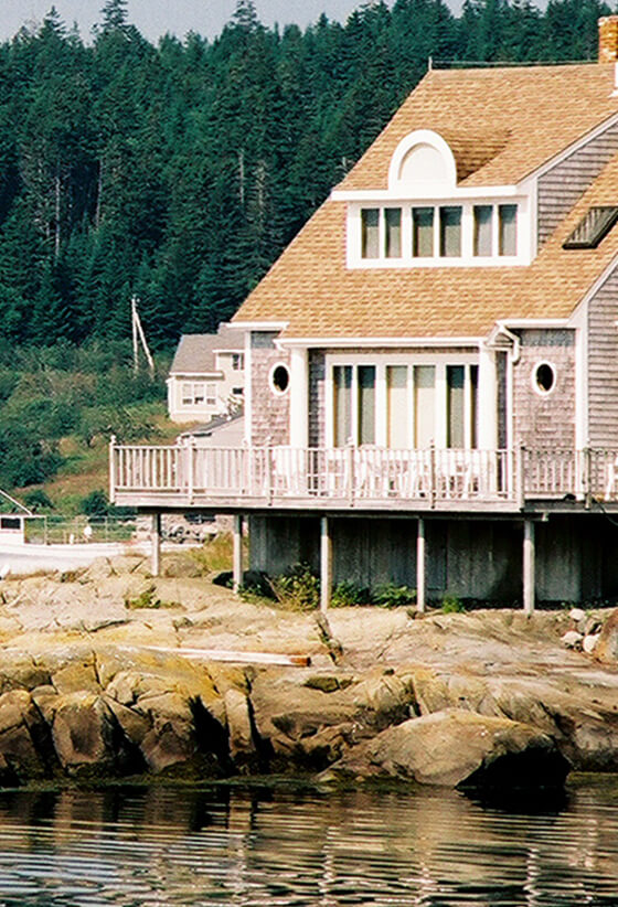 Live like a local for a little while and settle down at one of our many Maine vacation rentals.