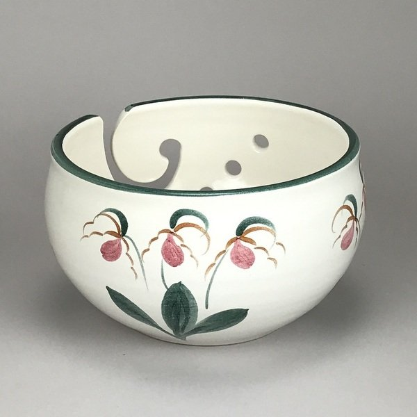 Yarn bowl in the lady's slipper pattern! Very popular!
