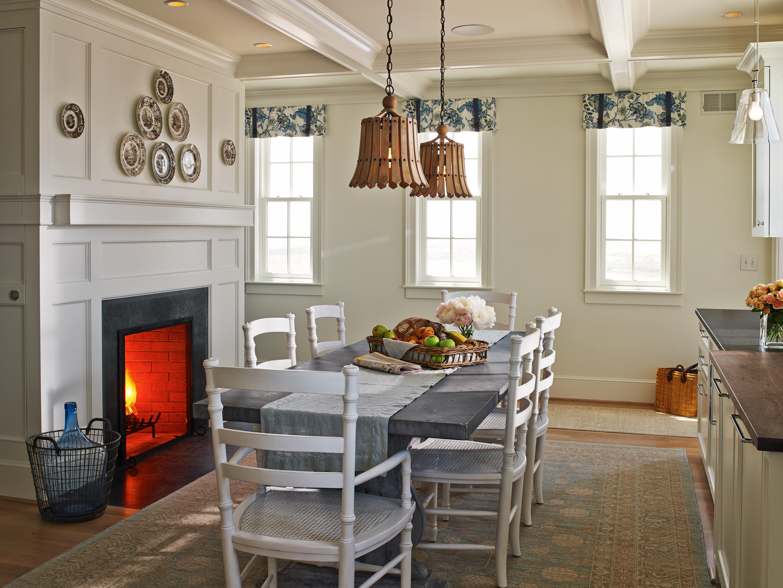 Cuckolds Cozy Kitchen w/Fireplace
