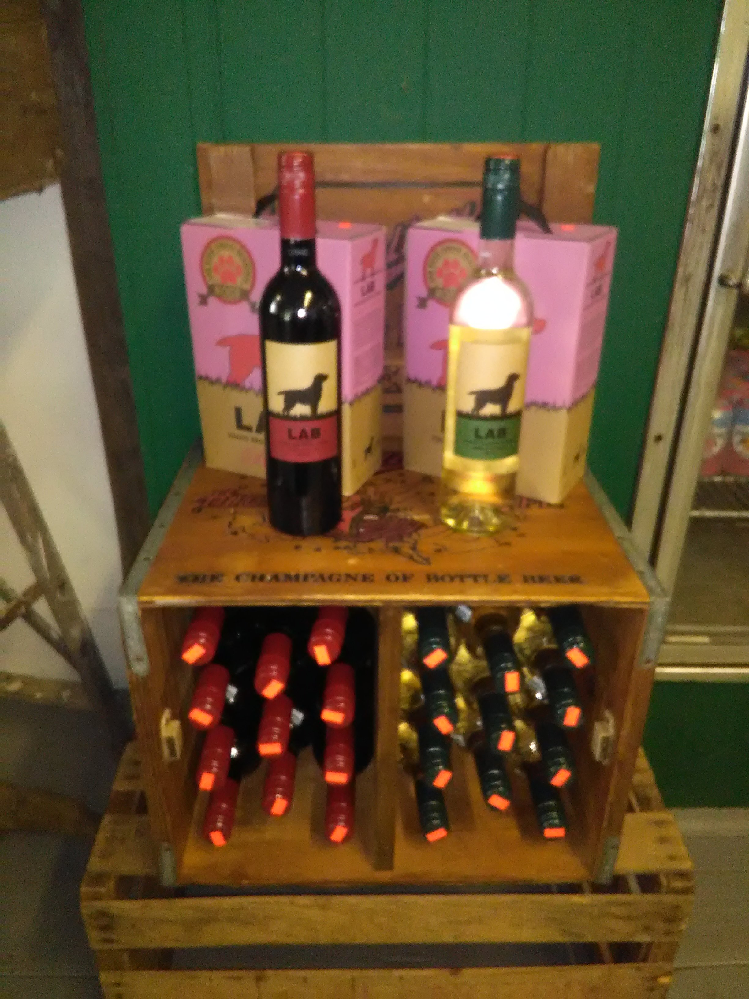 White, red and rose wine for your picnic or day on the lake. Boxed wines are great for boating excursions.