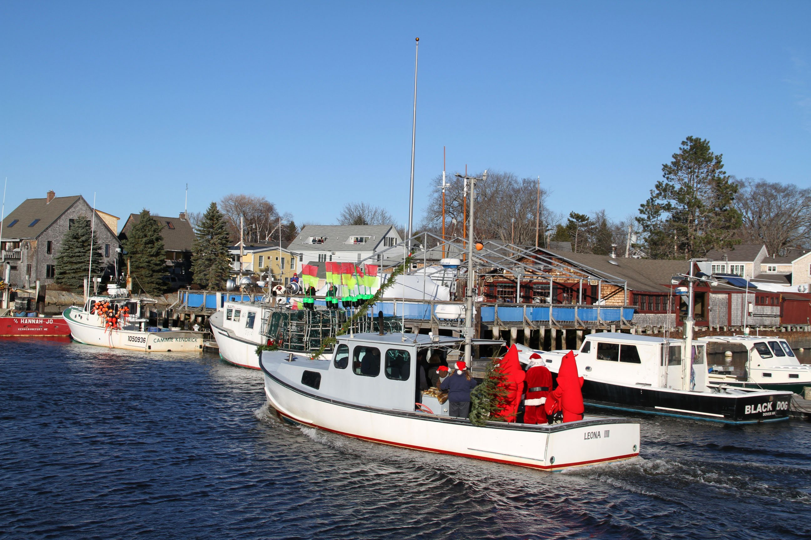Christmas Prelude Kennebunkport - see much more at KennebunkportMaineLodging.com Site