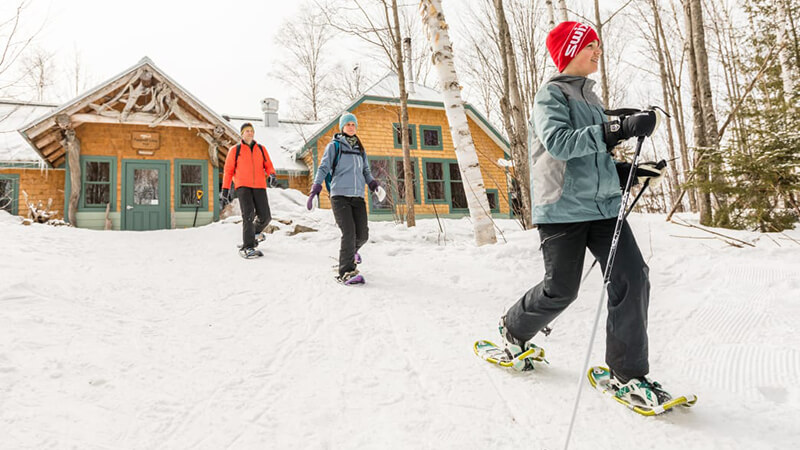 Well-marked ski and snowshoe trails traverse beginner-friendly terrain.