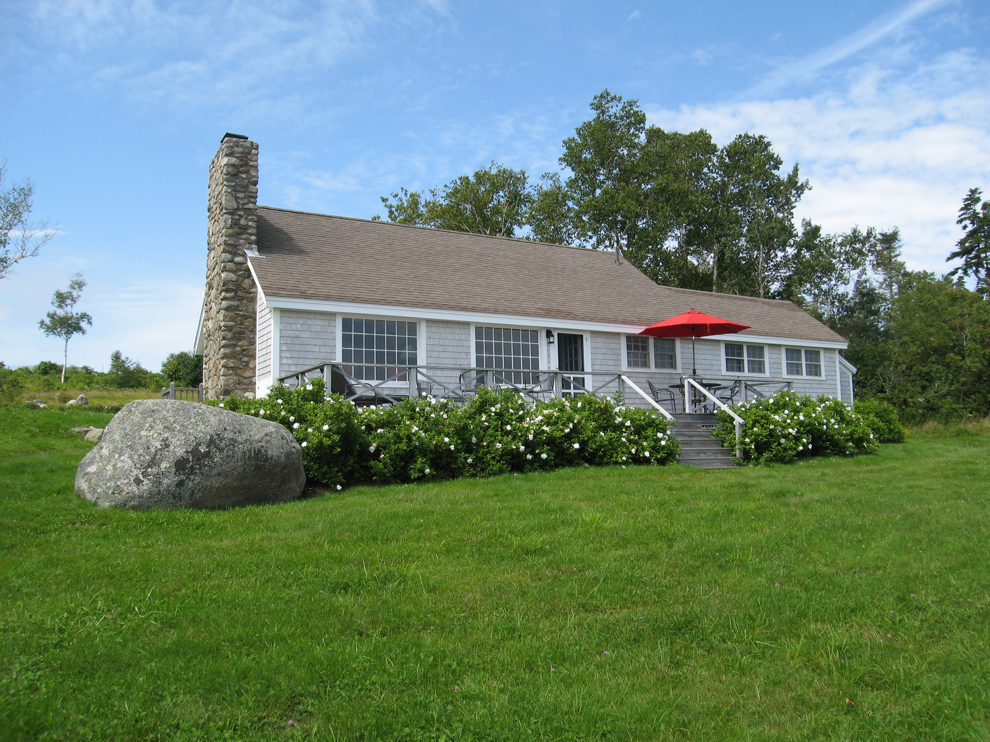 Sea Meadow Oceanfront Cottage With Lighthouse Views