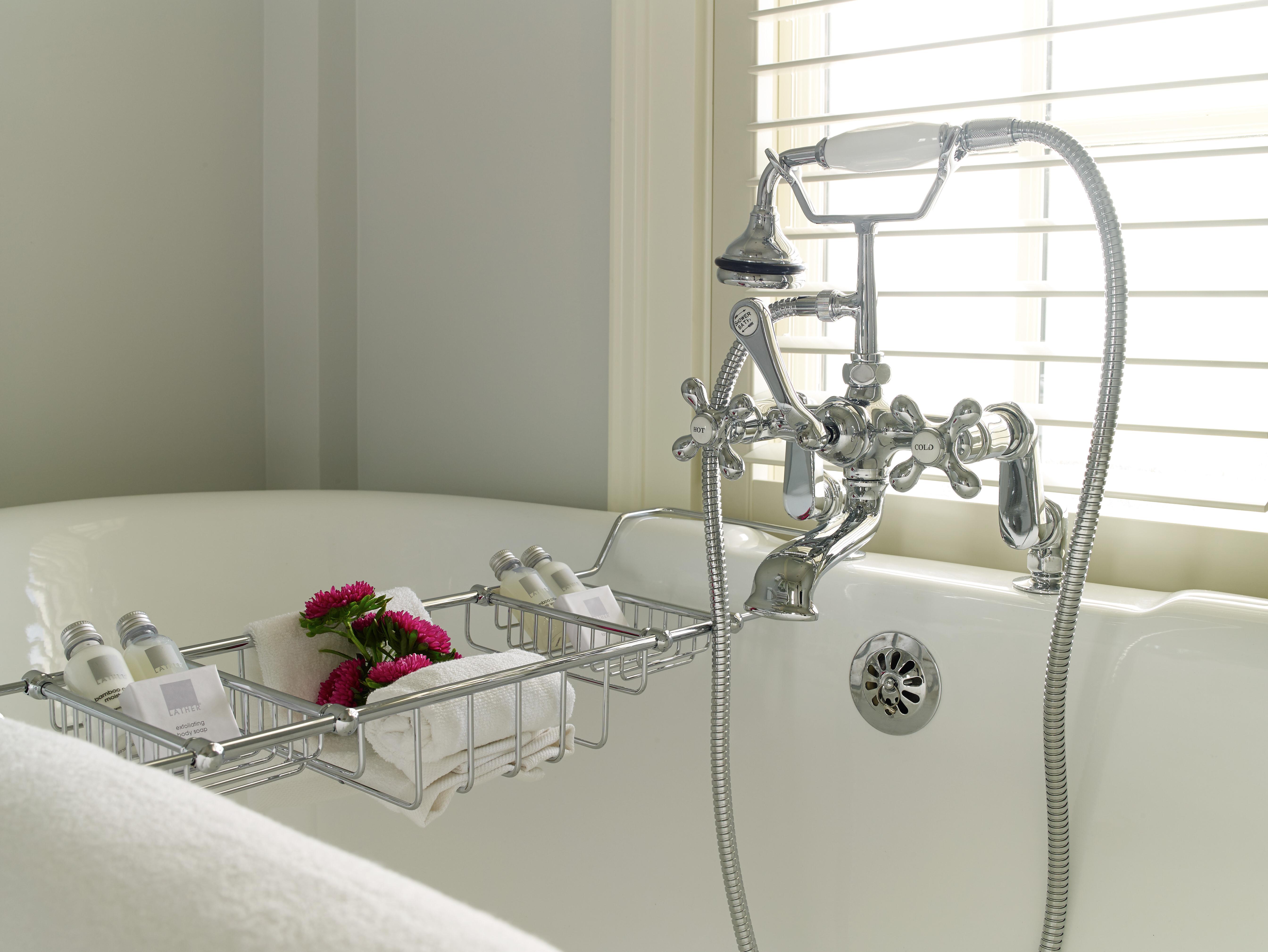 Romantic Bathtubs with Ocean Views!