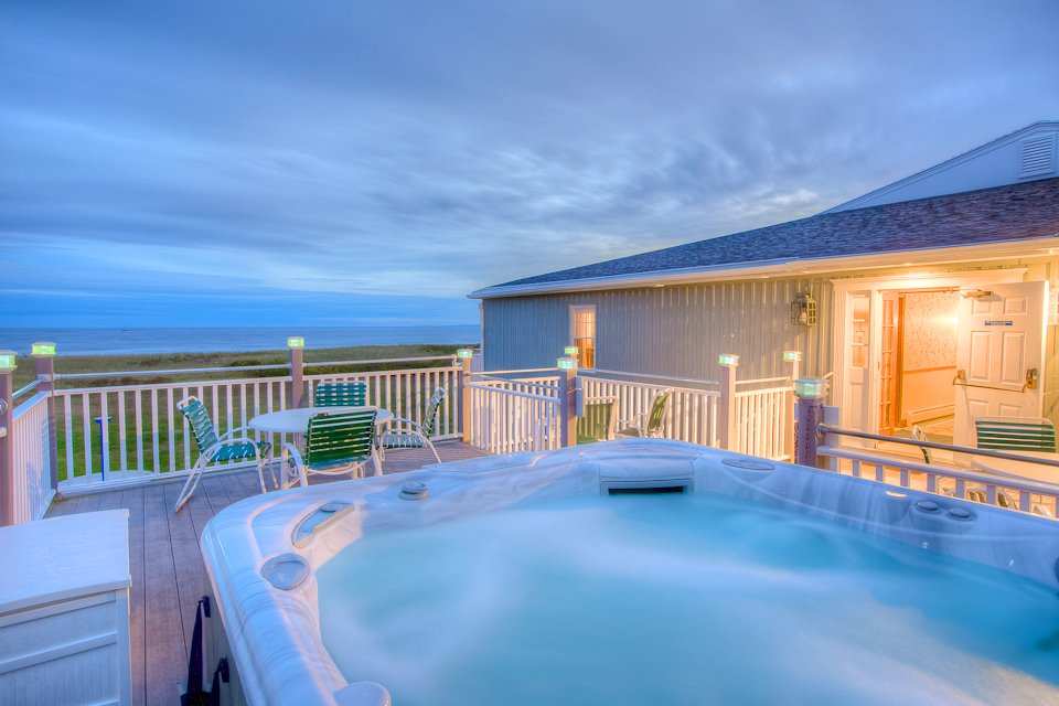 Outdoor Hot Tub with Ocean views