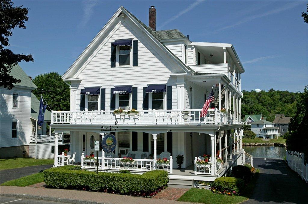 Harborage Inn