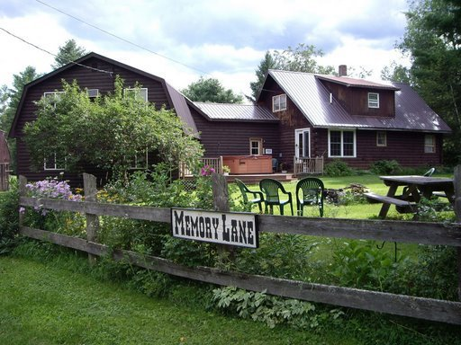Memory Lane Vacations, enjoy the flowers, picnic table & fire pit.