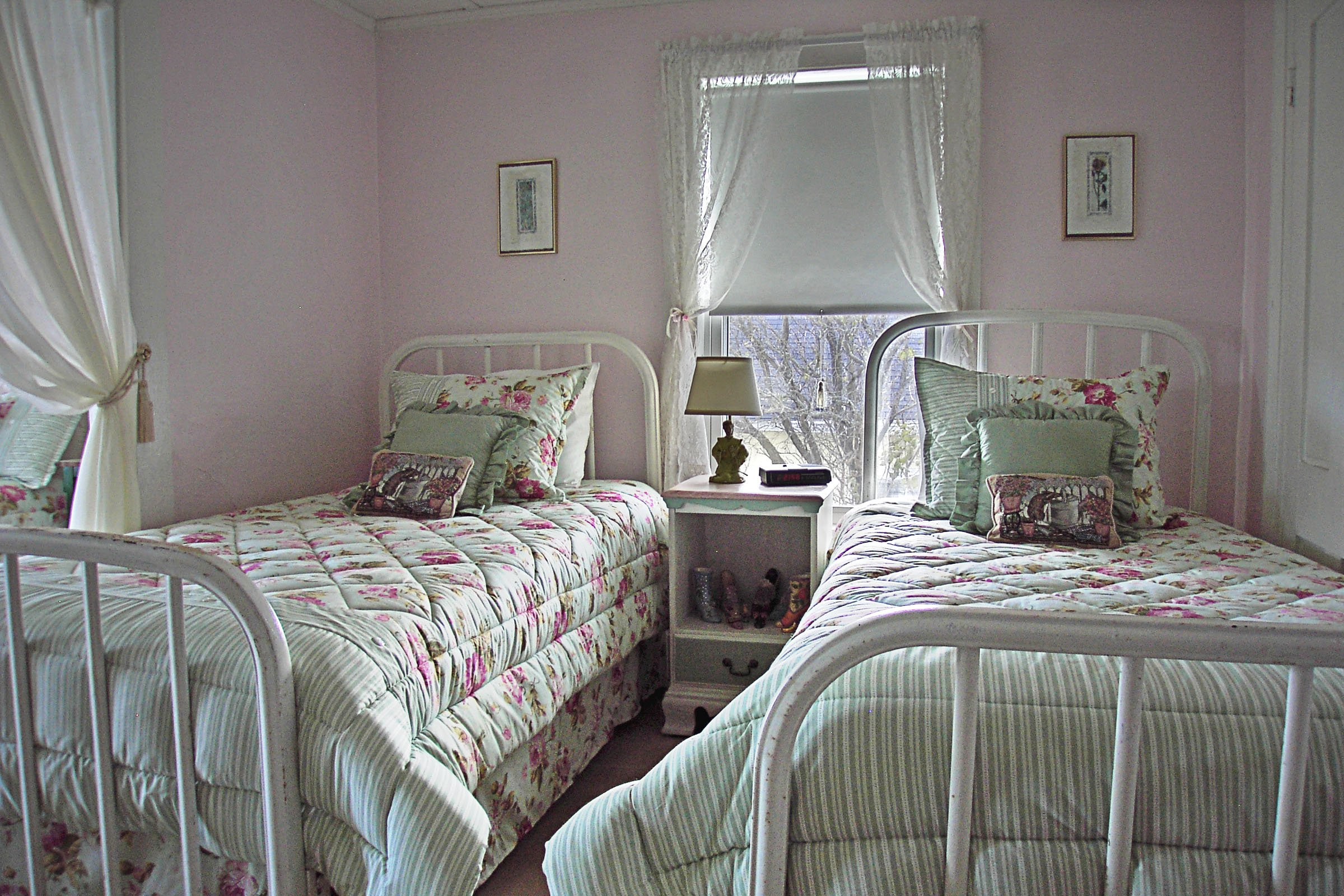 Guestroom #4, One double bed, two twin beds, ocean view