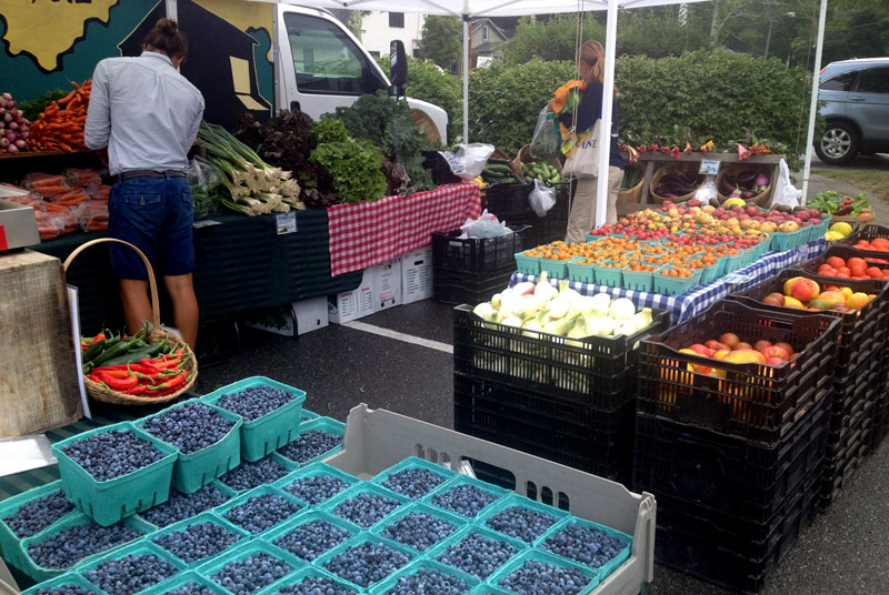 Farmers' Market & Farm Stands