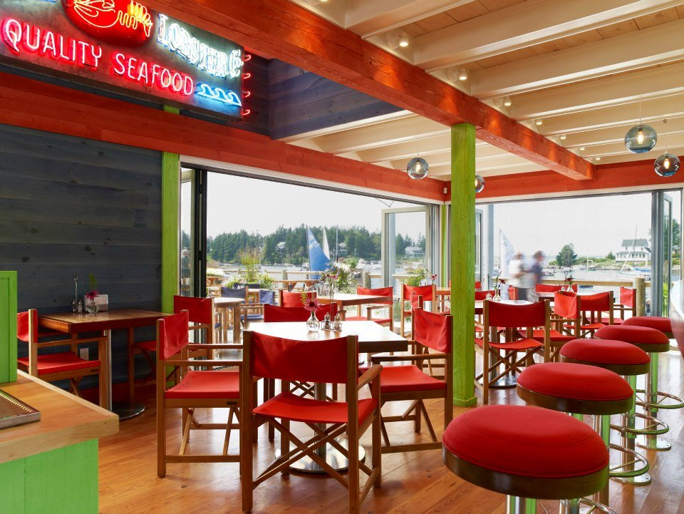 Fun, casual dining with unbeatable views of Cozy Harbor