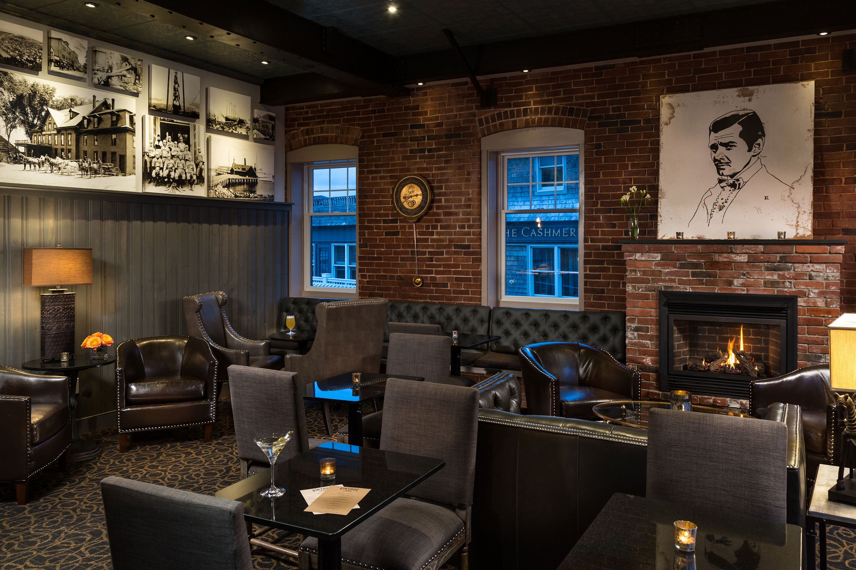 Lobby Bar, Vintage Room