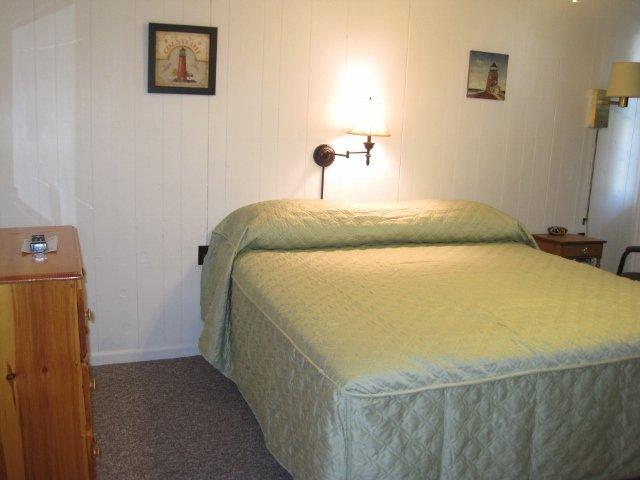King Motel Room