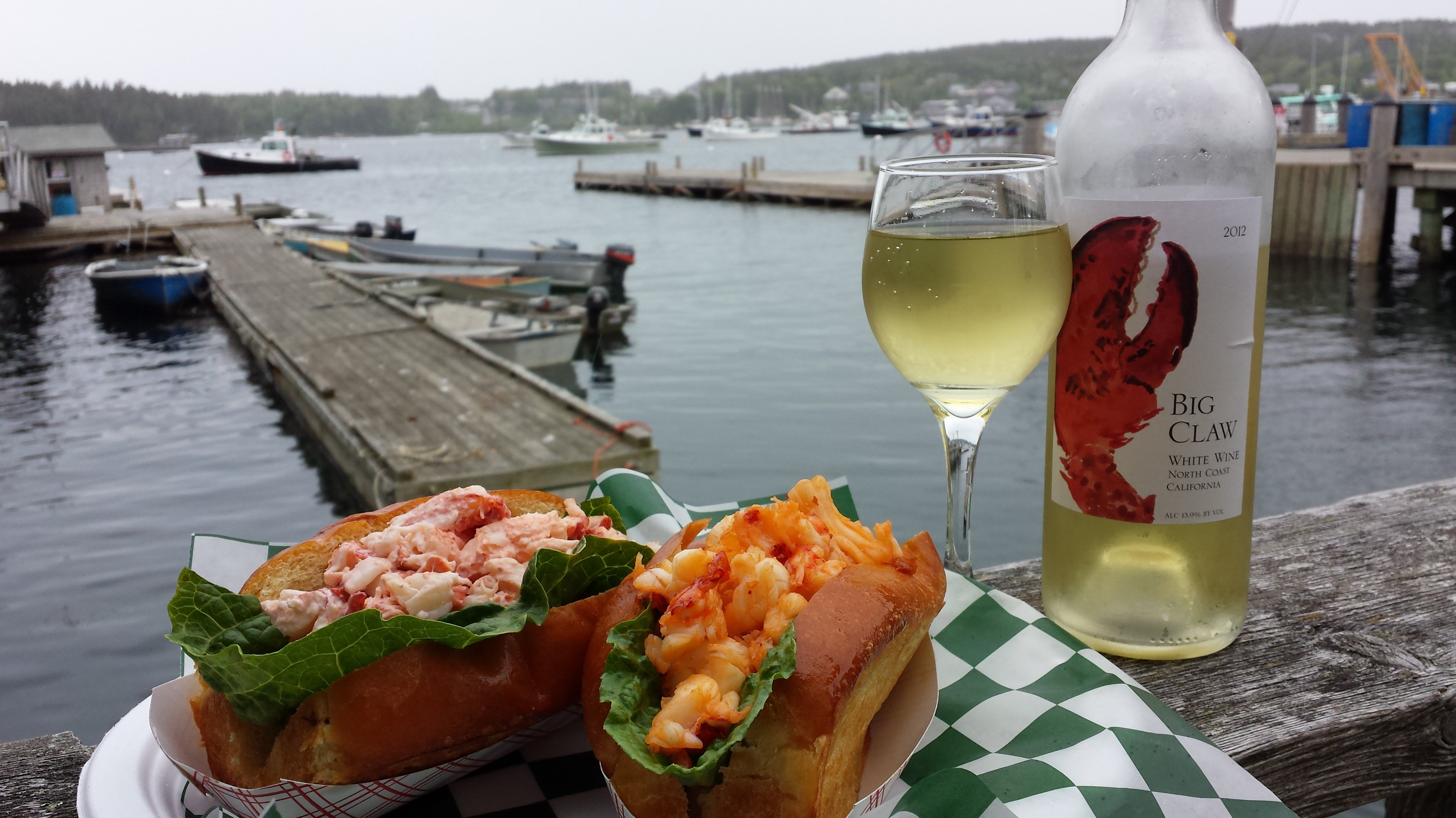 The choice is yours! Pick from our classic or traditional lobster rolls.