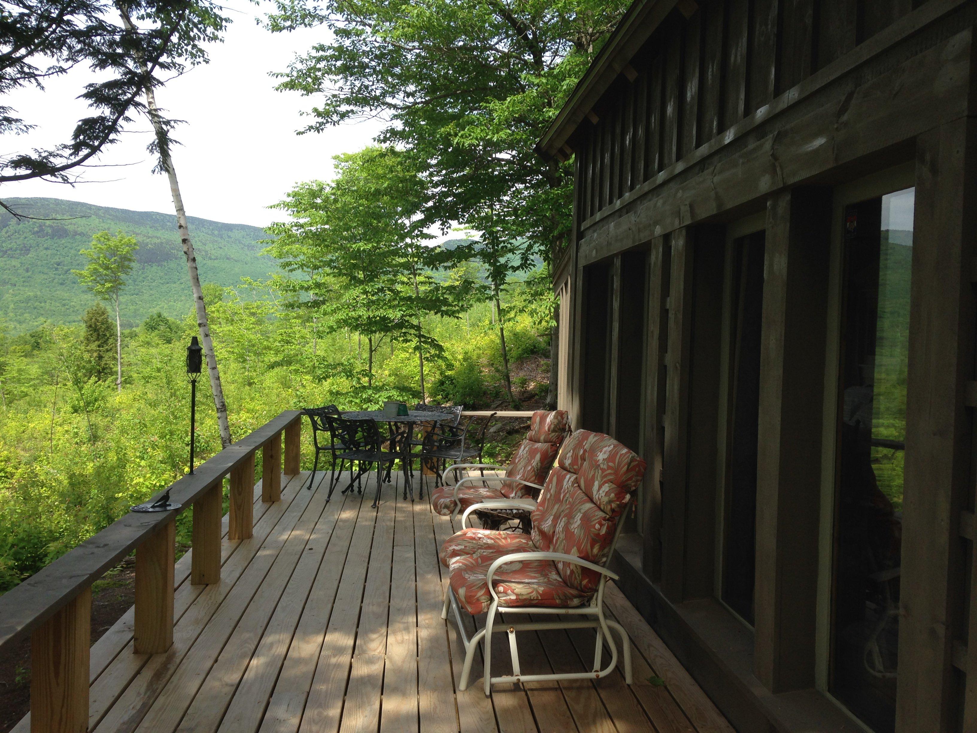 Huge deck, with huge views!