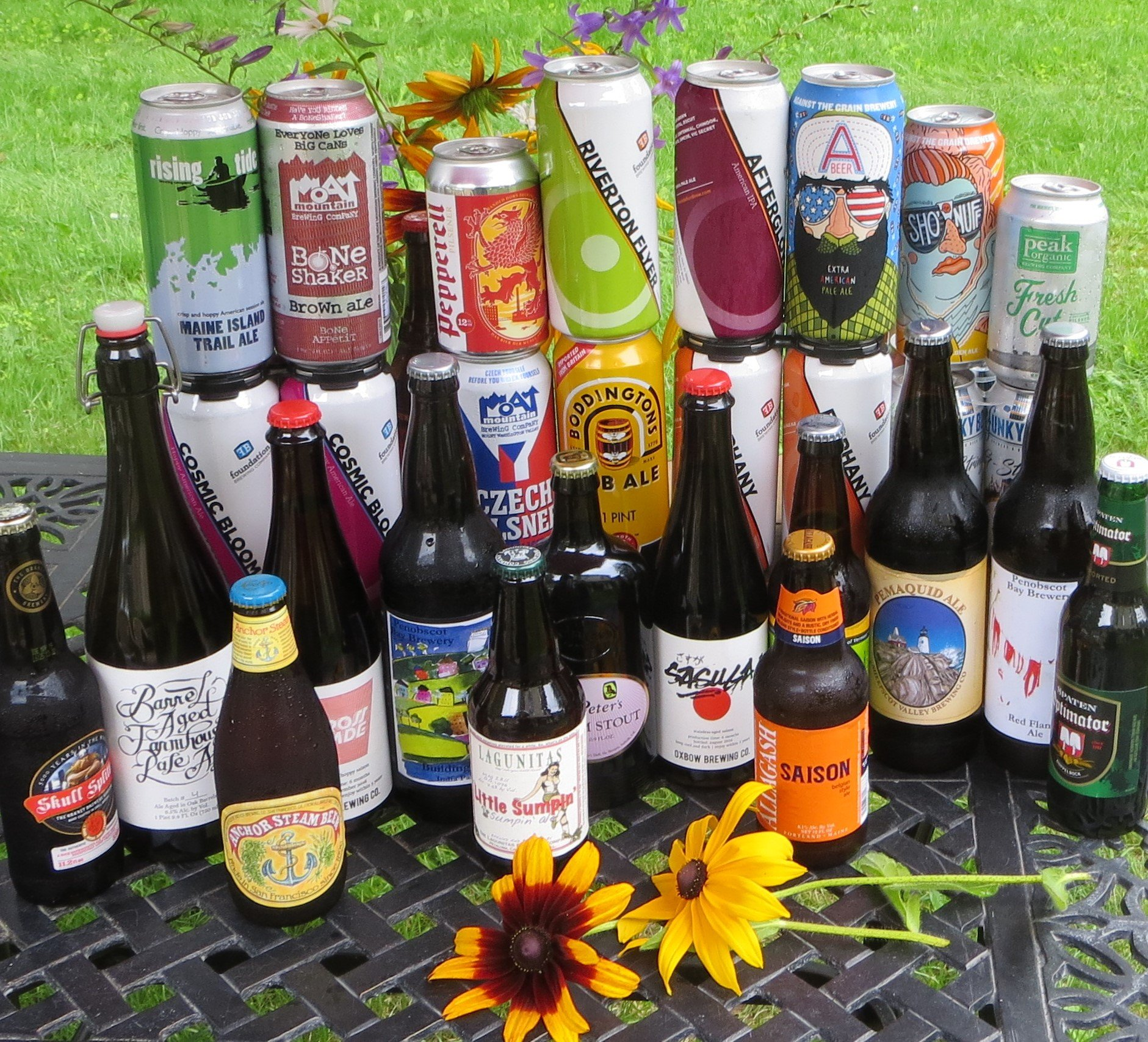 Find craft beer,and local Maine brews at the Black Sheep Wine and Beer Store,, by the sea in Harpswell,Maine.