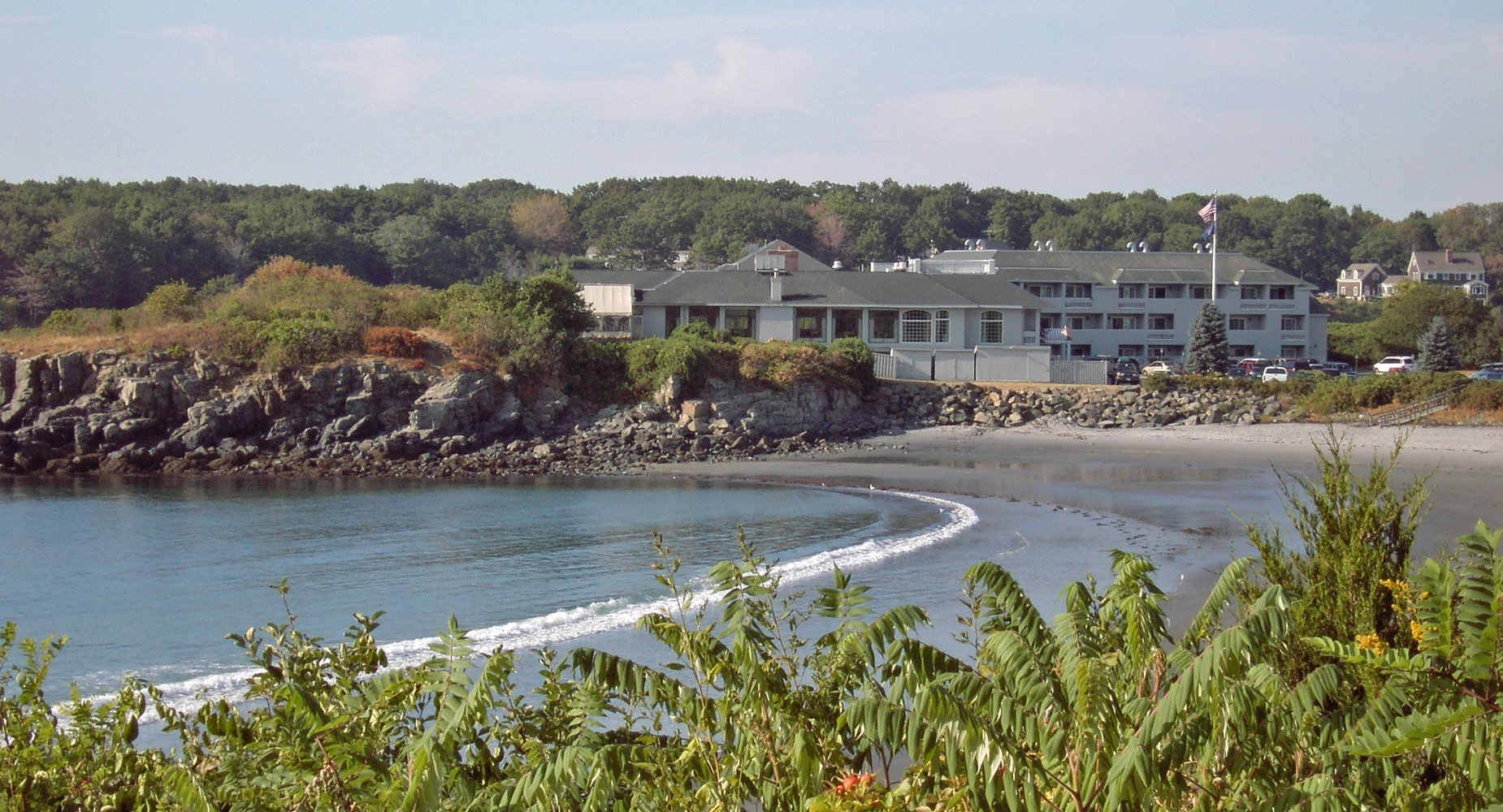 This is the Stage Neck Inn set atop a spectacular peninsula at the mouth of The York River. Most of the natural elements for which Maine is renown merge at our location.
