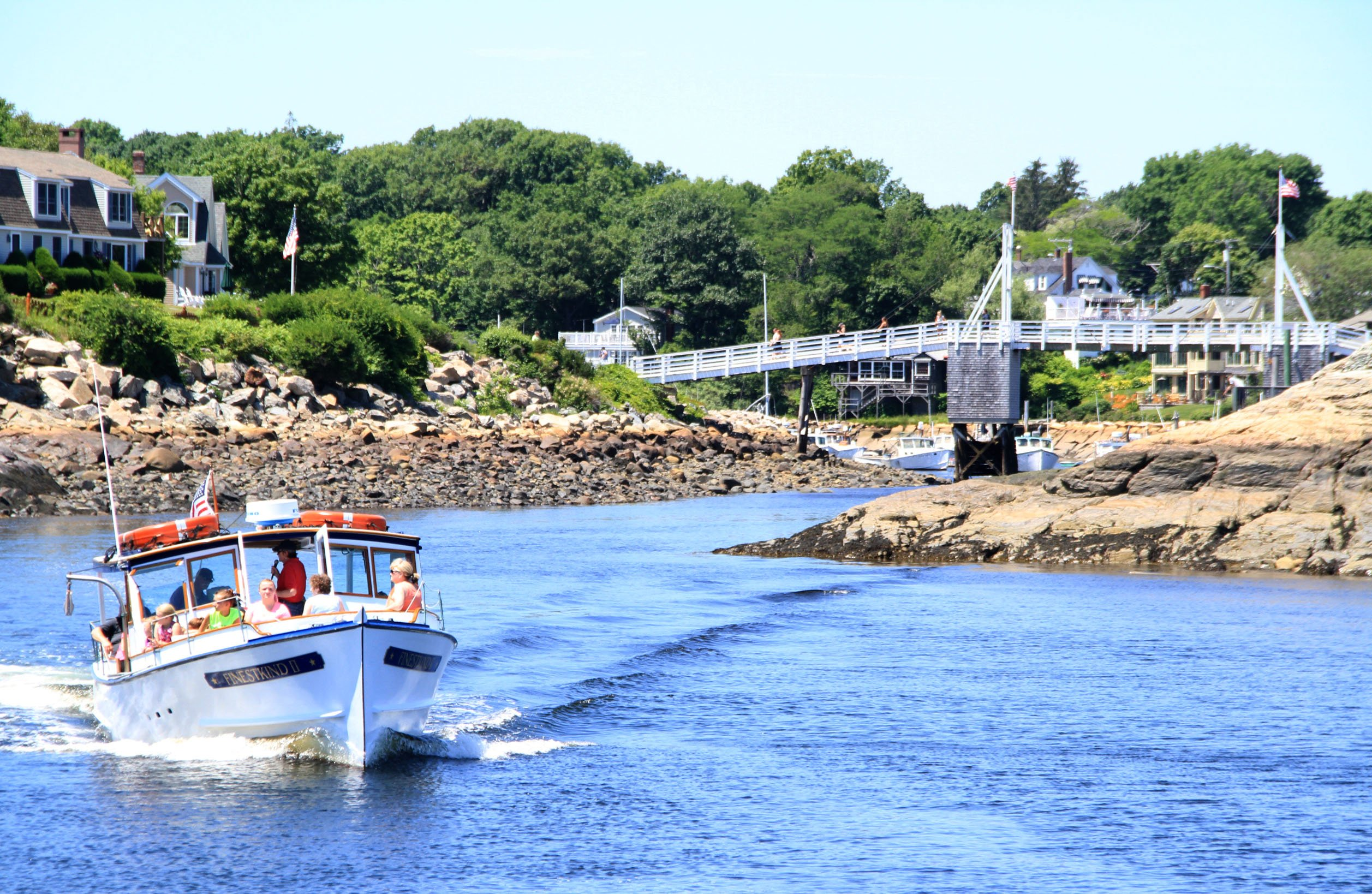 Perkins Cove Boat Tour and Famous Footbridge