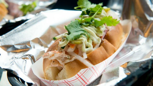 International flair given to a fresh-picked Maine lobster roll | Portland