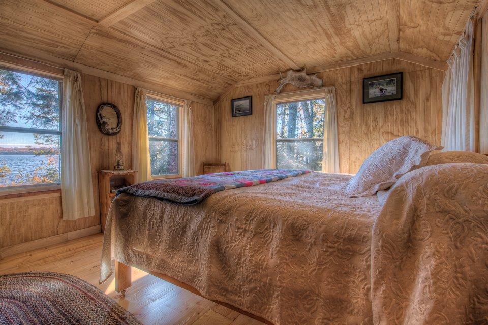 Bemsis Bedroom
