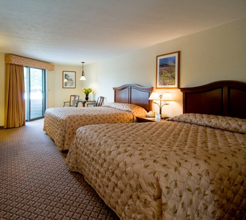 Resort rooms and suites at Meadowmere Resort Ogunquit Maine