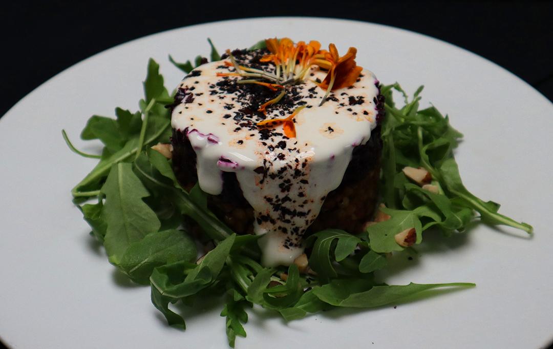 Light and fresh seasonal salads – Dina Wood