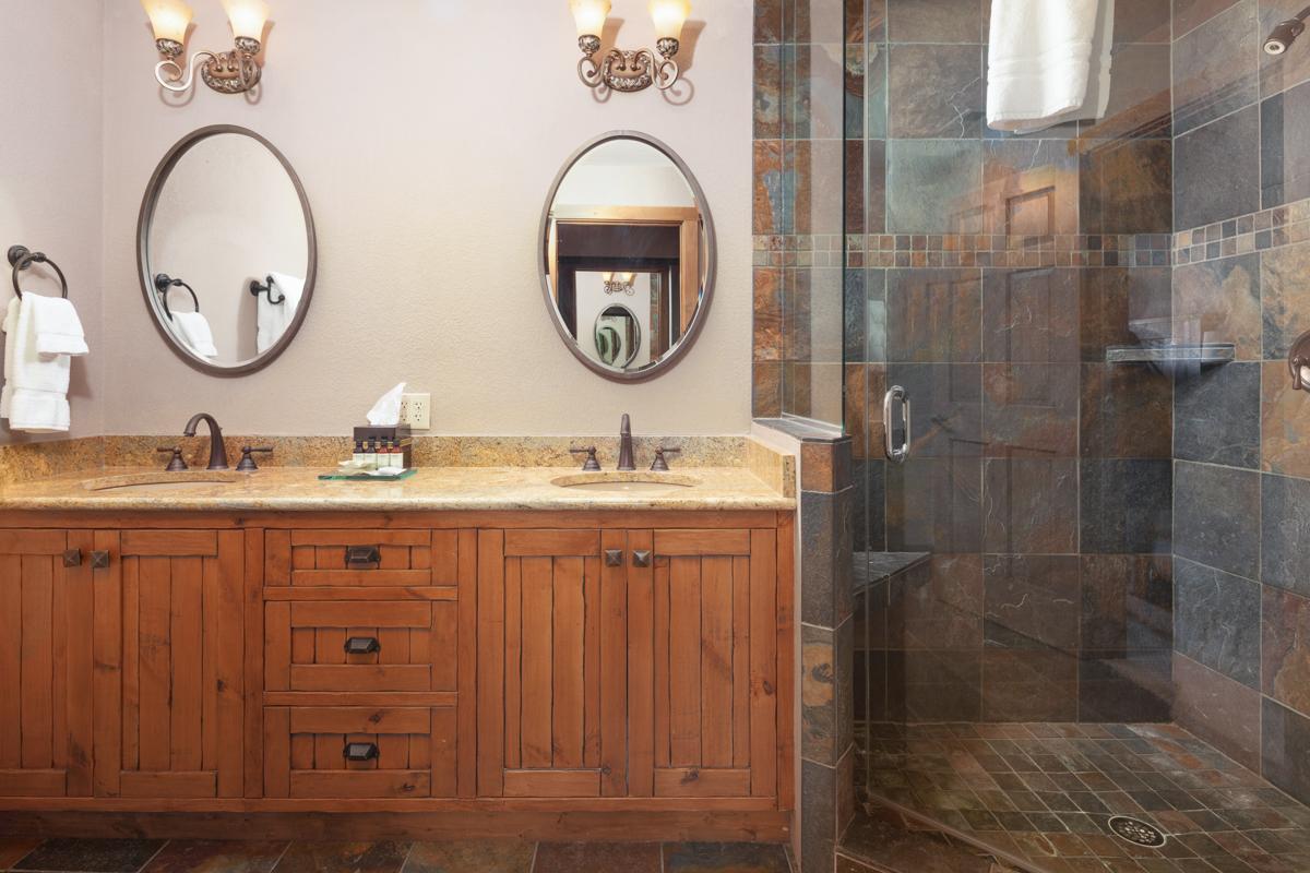 Main Bath – Lindsay Goudreau