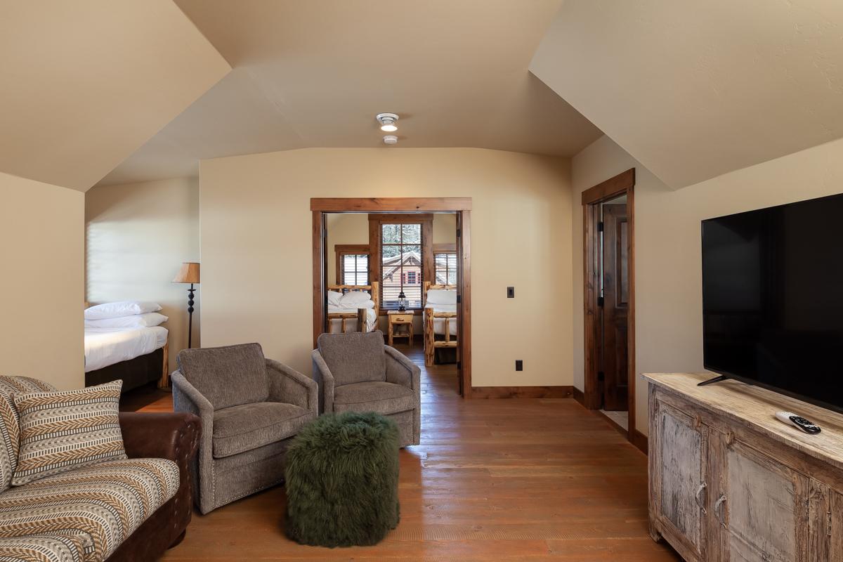 Luxury Home #14 Sitting Area