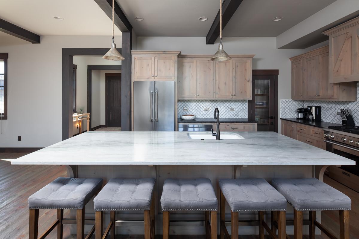 Luxury Home #1 Kitchen 2 – Lindsay G