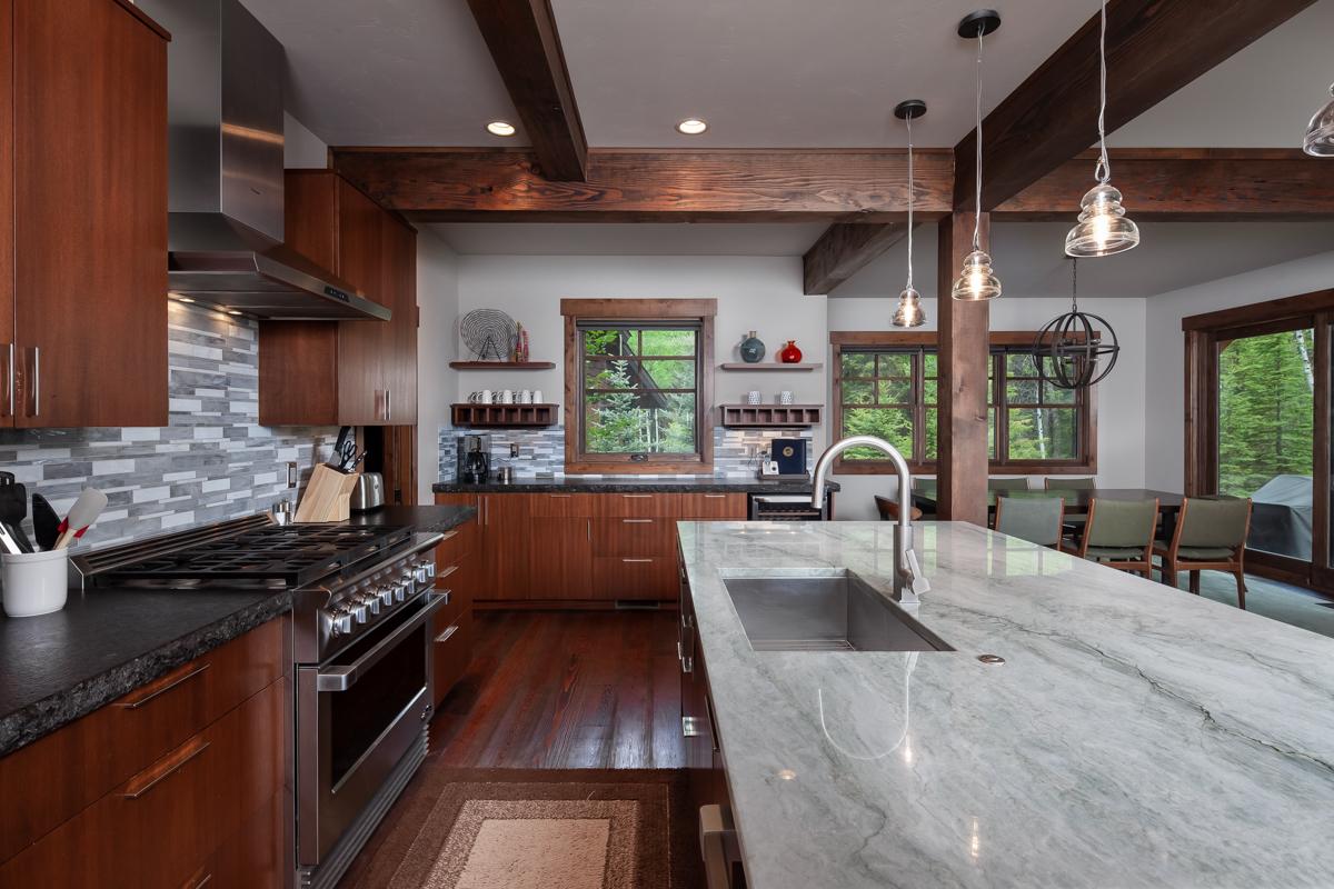 Luxury Home #8 Kitchen2 – Lindsay Goudreau