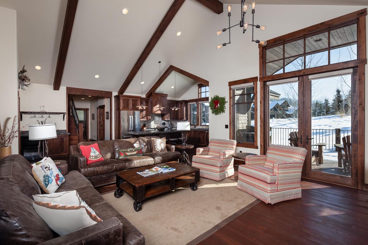 Luxury Home #16 Living Area