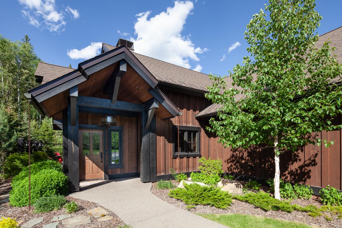 Luxury Home #7 - Exterior – Lindsay Goudreau