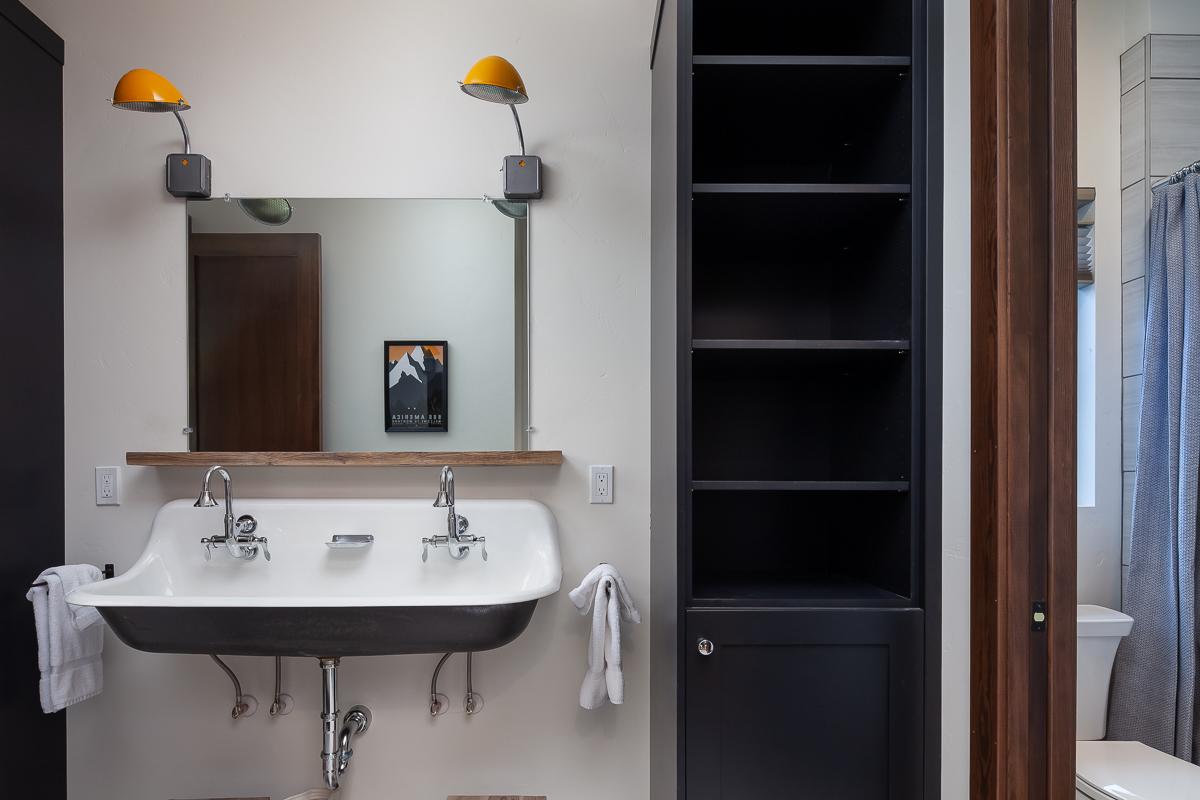 Luxury Home #9 Bunk Bath