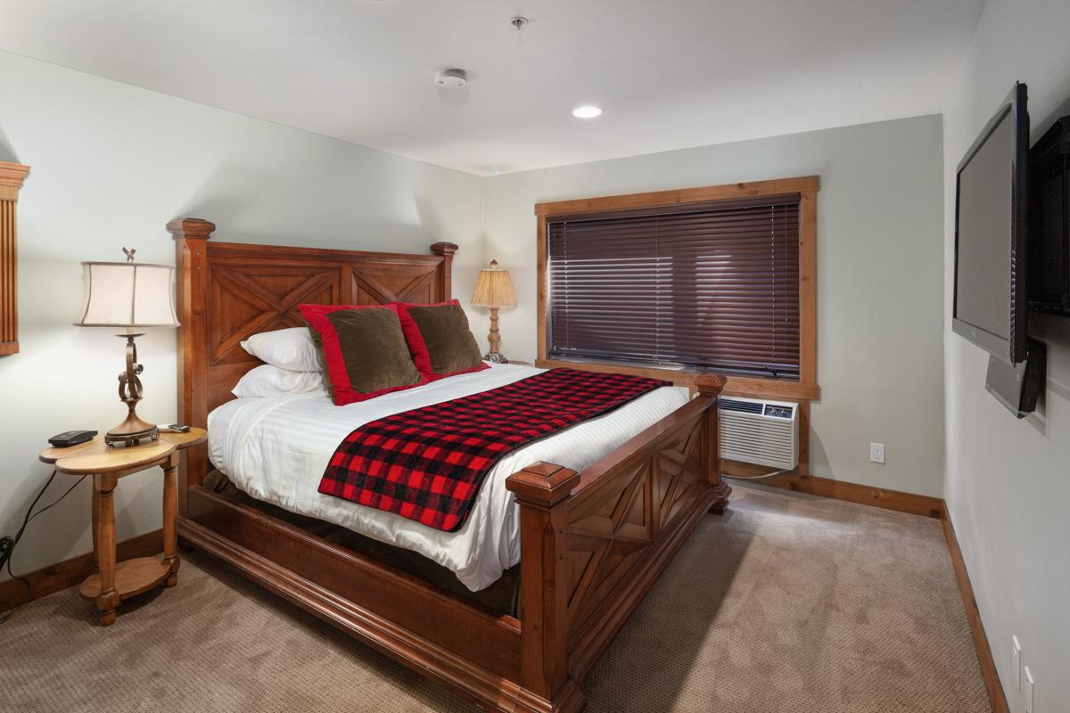 Bedroom 1 – Lindsay Goudreau