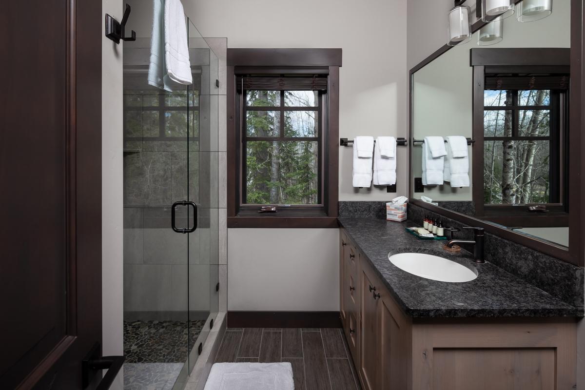 Luxury Home #1 Bath 1 – Lindsay G