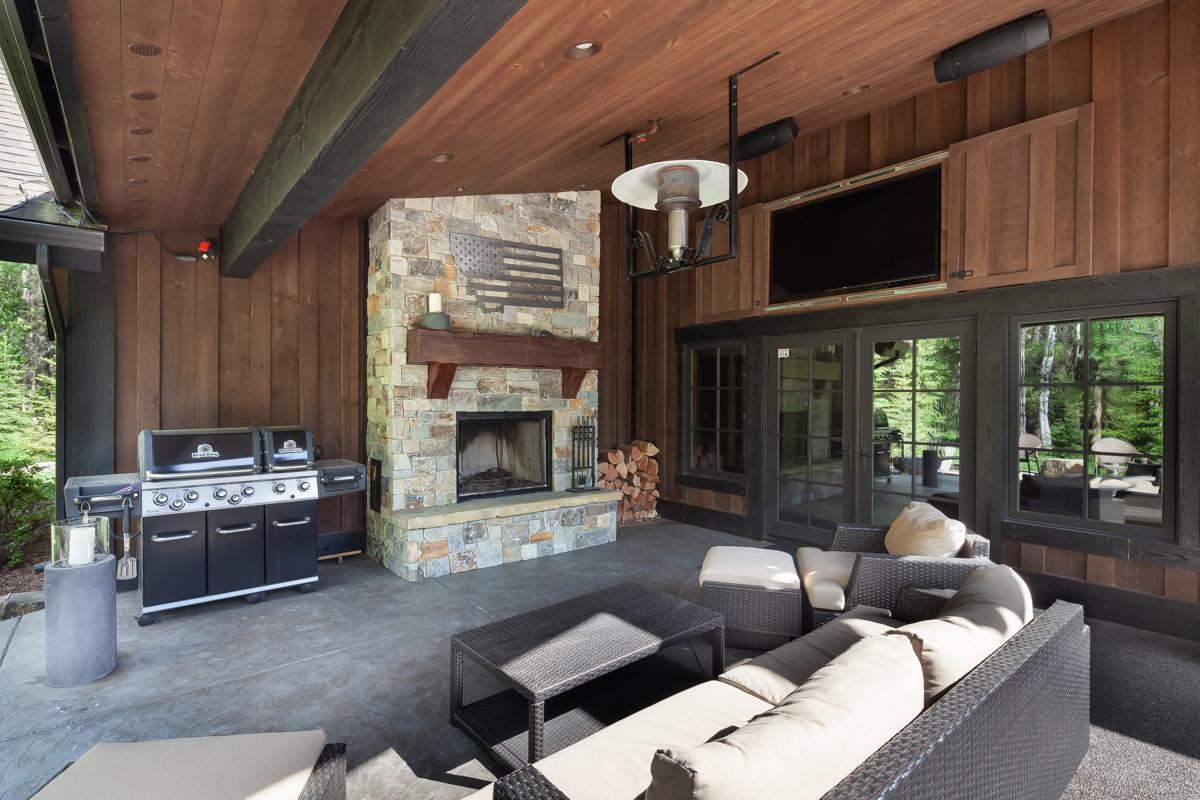 Luxury Home #7 - Patio 2 – Lindsay Goudreau