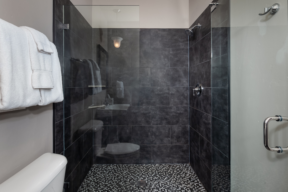 Luxury Home #10 Bath 3 – Lindsay G