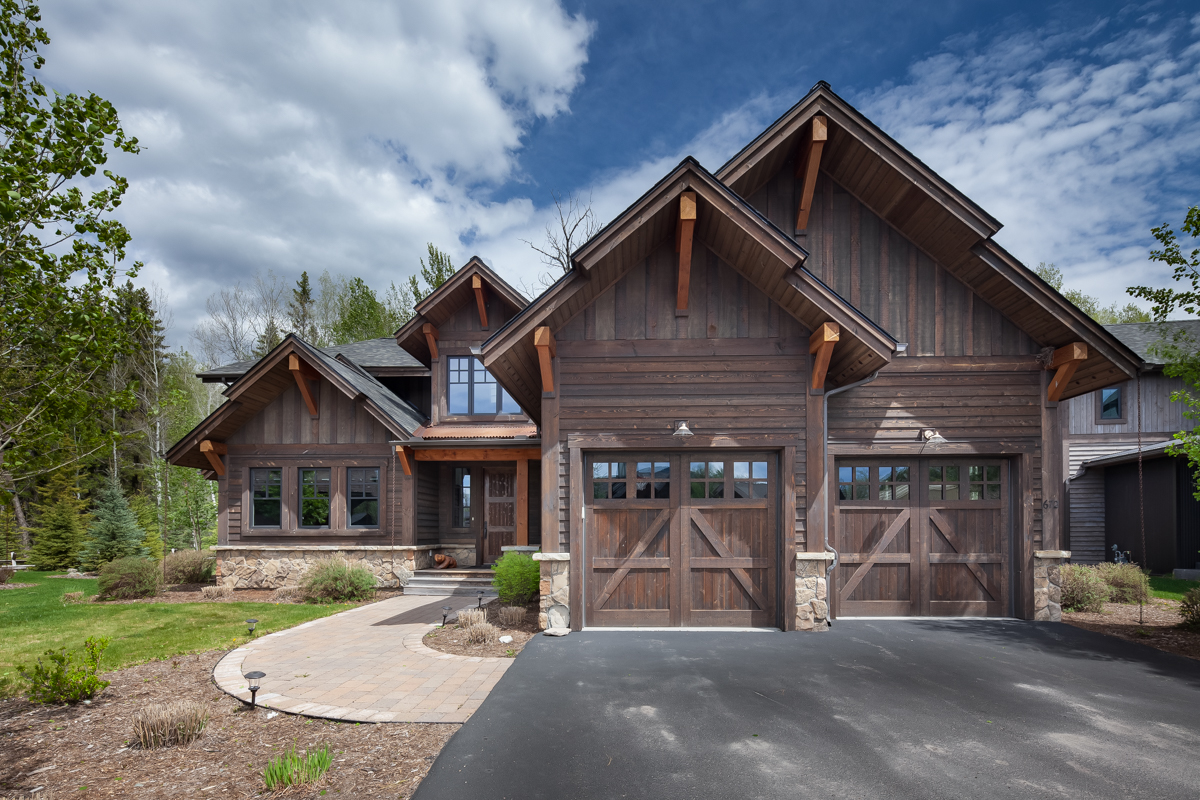 Luxury Home #8 Exterior – Lindsay Goudreau