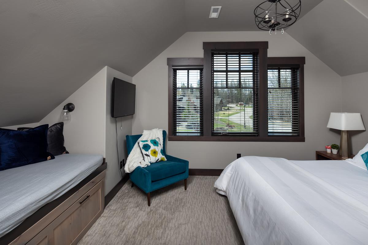 Luxury Home #1 Bedroom 3 – Lindsay G